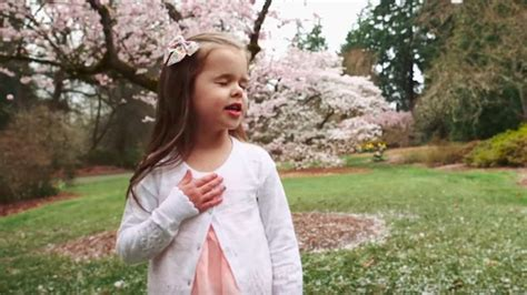 """Claire Ryann Crosby Sings """"Peace In Christ"""" With Her Dad"""